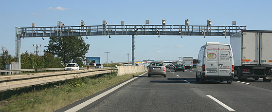 Toll portal on the D1